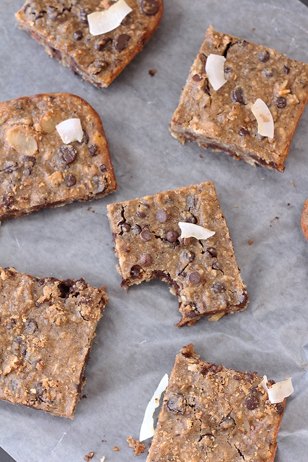 These healthy Chocolate Chip Blondies are moist and fudgy, with chocolatey goodness in every bite. Plus, they're also full of nutritious black-eyed peas via @ExSloth | ExSloth.com #NYE #holiday #celebrate