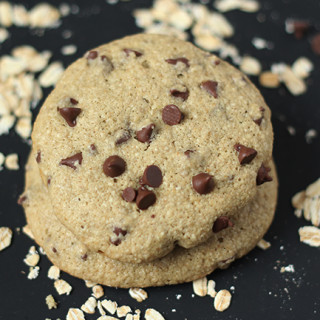 15 Minute Chocolate Chip Oatmeal Cookies