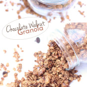 This Chocolate Walnut Granola is easy to make, ready in under 30 minutes and full of delicious flavour. Plus, it's vegan, gluten free and refined sugar free via @ExSloth | ExSloth.com