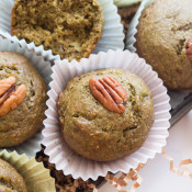 These Green Eggless Banana Muffins are also vegan, dairy-free, refined sugar-free and filled with spinach. Plus they use spelt flour instead of traditional wheat via @ExSloth | ExSloth