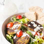Spinach Almond Falafel Salad with Vegan Garlic Mayo Dressing via @ExSloth | ExSloth.com