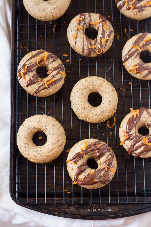Vegan Orange Poppy Seed Baked Donuts via @ExSloth | ExSloth.com