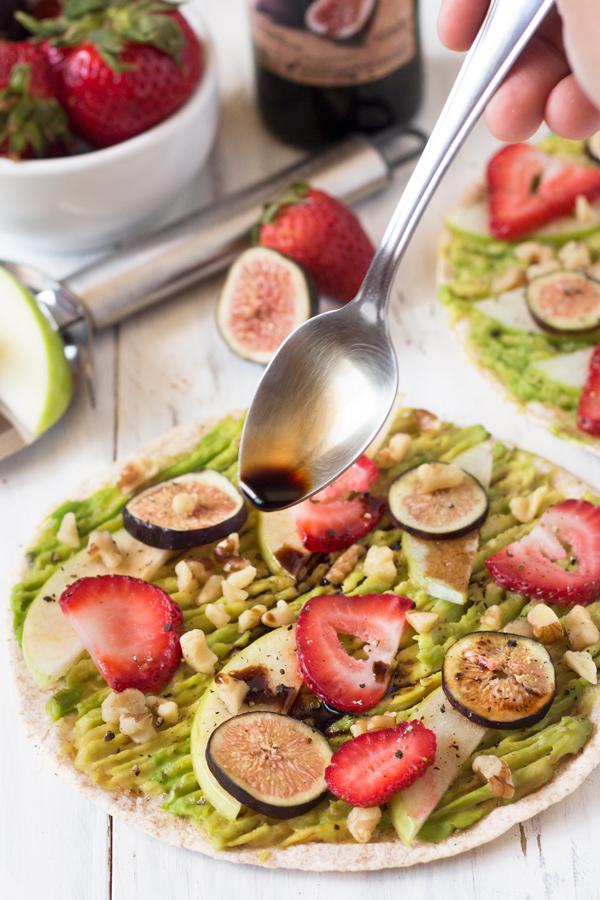 Sweet & Salty Avocado Breakfast Pizza with strawberries, apples, figs, walnuts & balsamic vinegar (Vegan) via @ExSloth | ExSloth.com