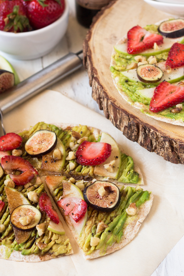 Sweet & Salty Avocado Breakfast Pizza with strawberries, apples, figs, walnuts & balsamic vinegar (Vegan) via @ExSloth | ExSloth.com