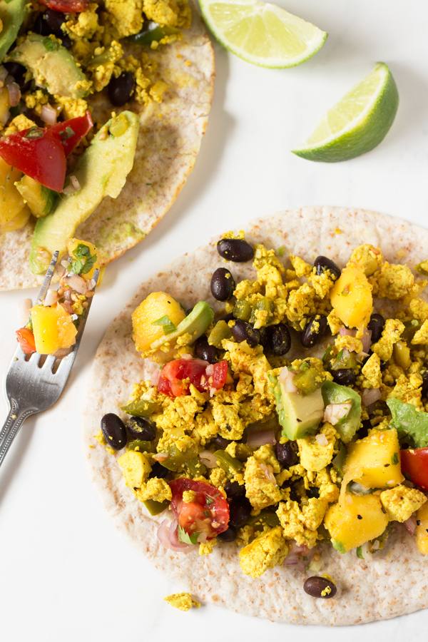 These vegan breakfast tacos are filling and flavourful, especially when topped with this super simple mango pineapple salsa via @ExSloth   ExSloth.com