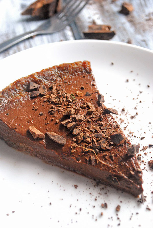 Chocolate Pudding Pie 15 Vegan No Bake and Frozen Desserts that aren't Ice Cream via @ExSloth | ExSloth.com