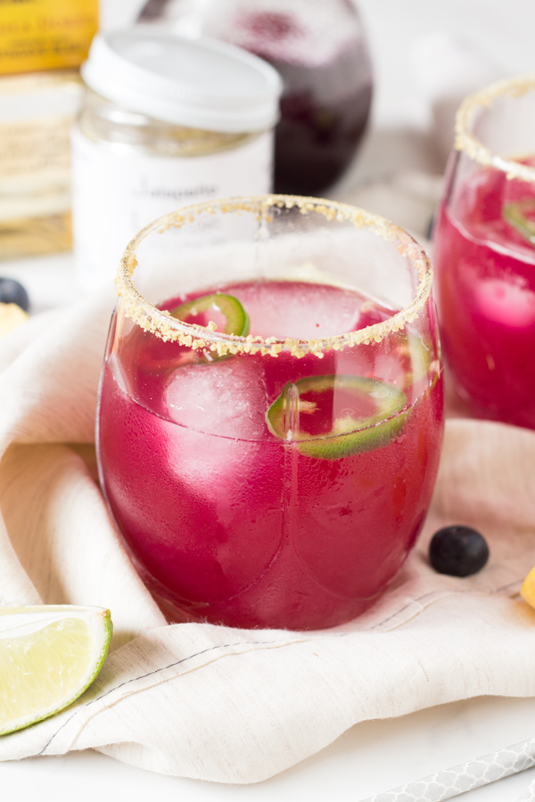 spicy blueberry peach shrub margaritas (healthy cocktail with drinking vinegars) @ExSloth | ExSloth.com