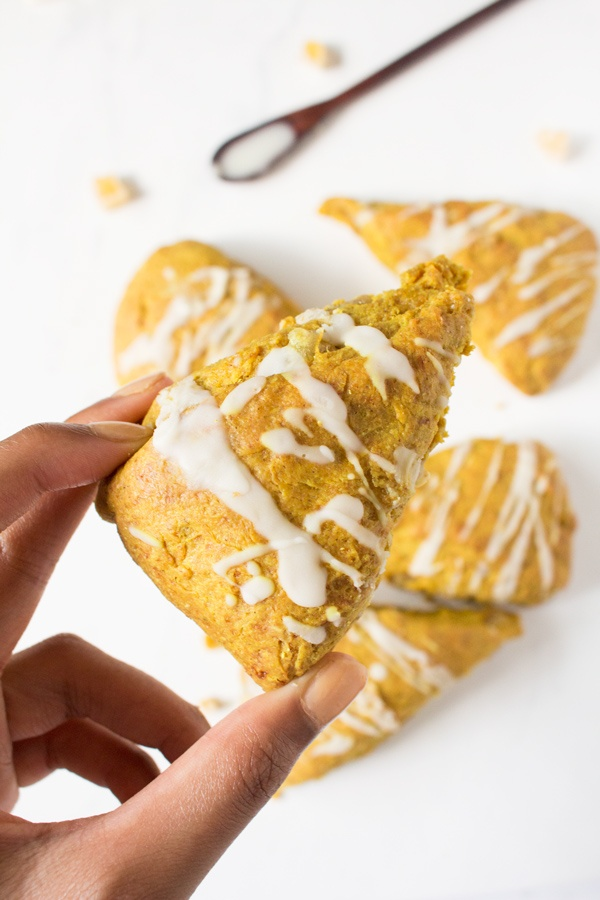 Vegan Coconut Ginger Golden Milk Scones (made with turmeric and spelt flour) via @ExSloth | ExSloth.com/vegan-golden-milk-scones/