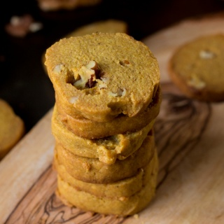 Pumpkin Pecan Vegan Shortbread Cookies