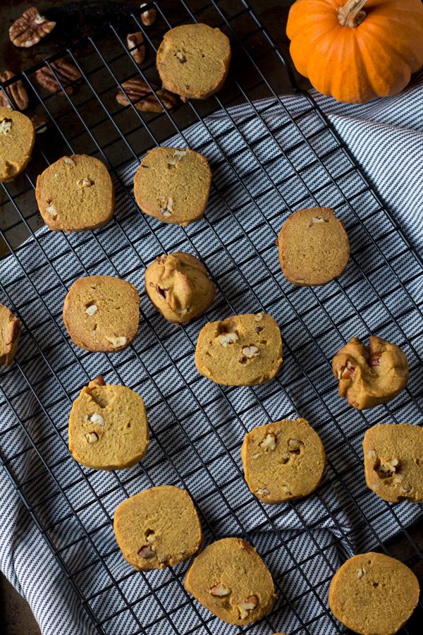 Pumpkin Pecan Vegan Shortbread Cookies made with coconut oil and spelt flour via ExSloth.com