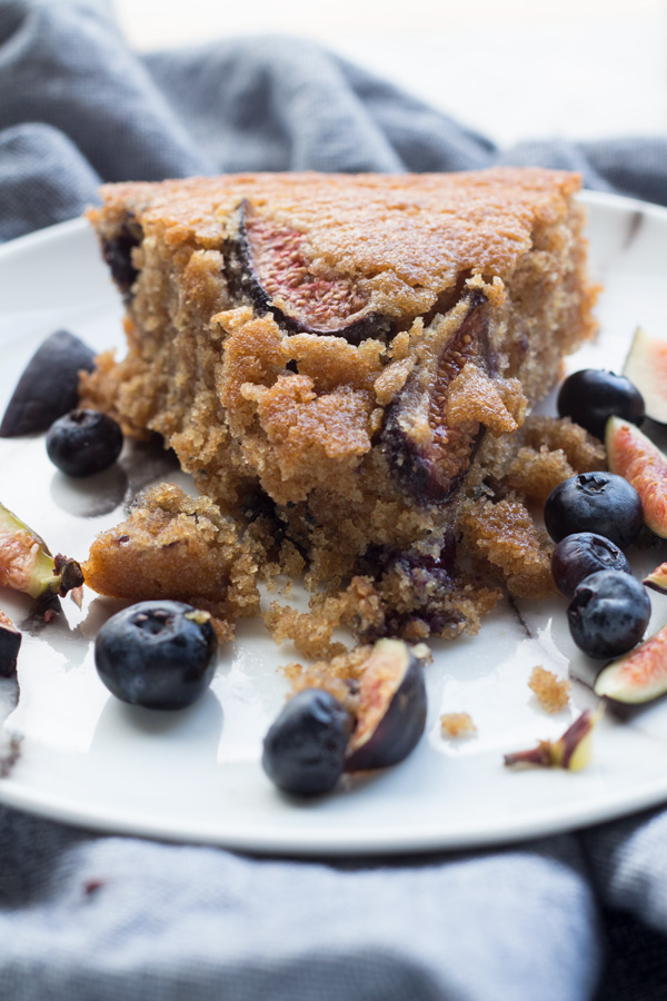 Easy Blueberry Fig Vegan Skillet Cake via ExSloth.com