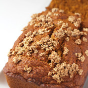 This Ginger-Spiced Carrot bread is hearty, flavourful and has added no refined sugars. Perfect for Easter breakfast or brunch. via @ExSloth | ExSloth.com