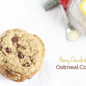 These decadent, soft and chewy Honey Chocolate Chip Oatmeal Cookies are also vegan and refined sugar free, thanks to Nektar Naturals Honey Crystals via @ExSloth | ExSloth.com