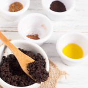 DIY Pumpkin Spice Latte Coffee Lip Scrub via @ExSloth | ExSloth.com