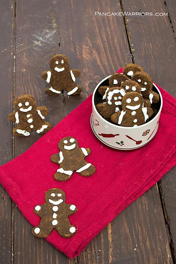 Pumpkin Gingerbread Cookies via Pancake Warriors