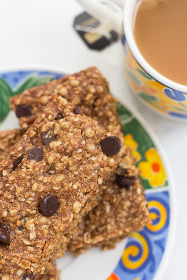 Vegan Oatmeal Chocolate Chip Bars via @ExSloth   ExSloth.com
