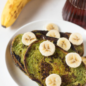 Green Smoothie Vegan French Toast via @ExSloth | ExSloth.com