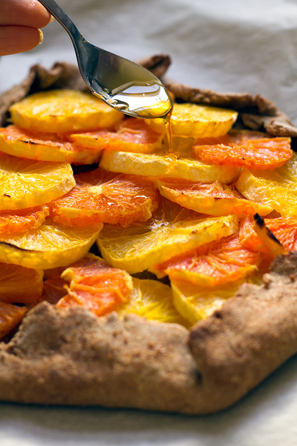 Rosemary Orange Galette with Chamomile Maple Syrup + 4 citrus-packed vegan recipes | ExSloth.com LoveMeFeedMe.net