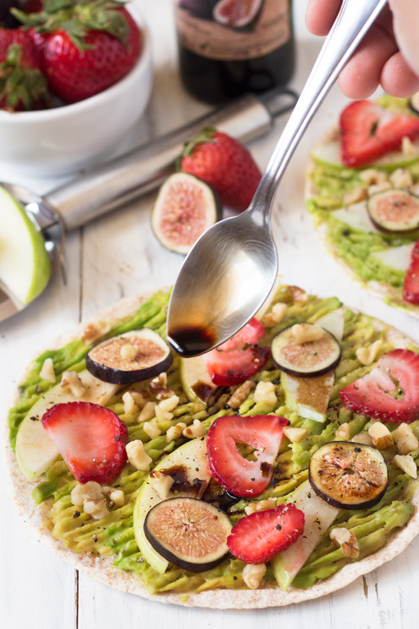 Sweet & Salty Avocado Breakfast Pizza with strawberries, apples, figs, walnuts & balsamic vinegar (Vegan) via @ExSloth   ExSloth.com