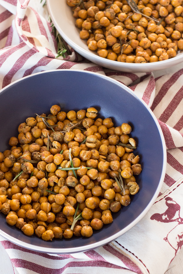 These crunchy rosemary garlic roasted chickpeas are just as flavourful and make the ultimate vegan protein-filled snack | Vegan, Gluten-free, plant-based protein | ExSloth.com