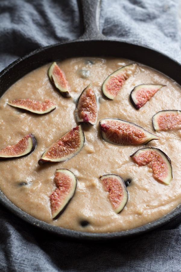 Easy Blueberry Fig Vegan Skillet Cake via ExSloth.com